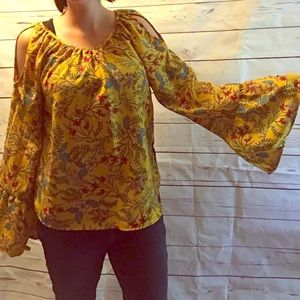 Tops - Yellow bell sleeve top with floral details
